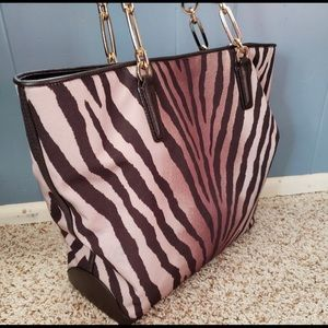Coach Zebra print LARGE bag !!! Super Nice.